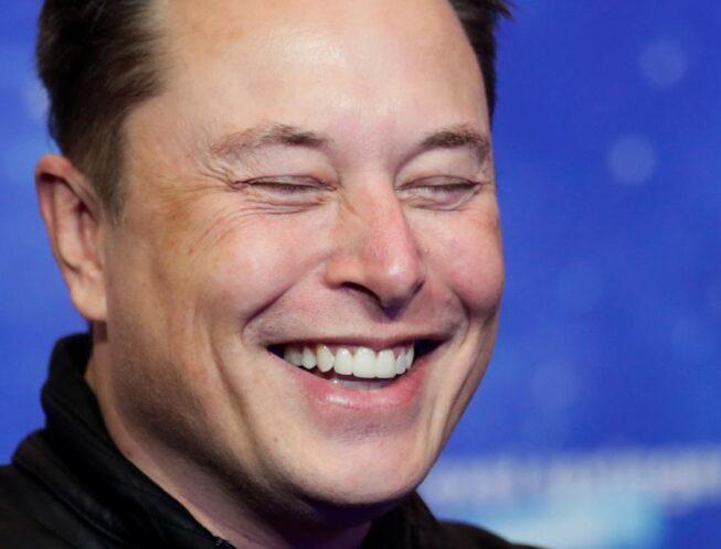 Elon Musk, l'homme le plus riche du monde, veut être payé en bitcoin